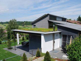 Grona tak är krav på moderna hus i Tyskland